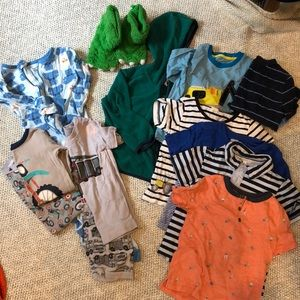 Boy 3T lot of clothes, old navy